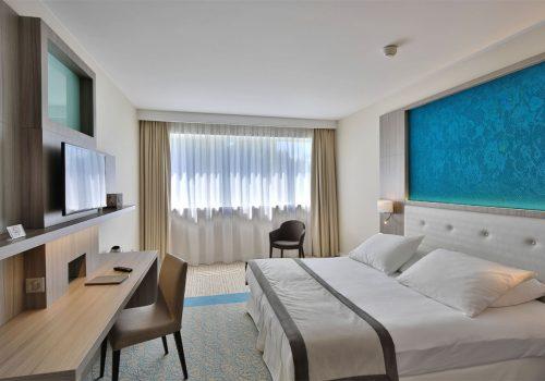 hotel-golden-tulip-01