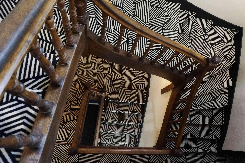 hotel_de_france_escalier_1
